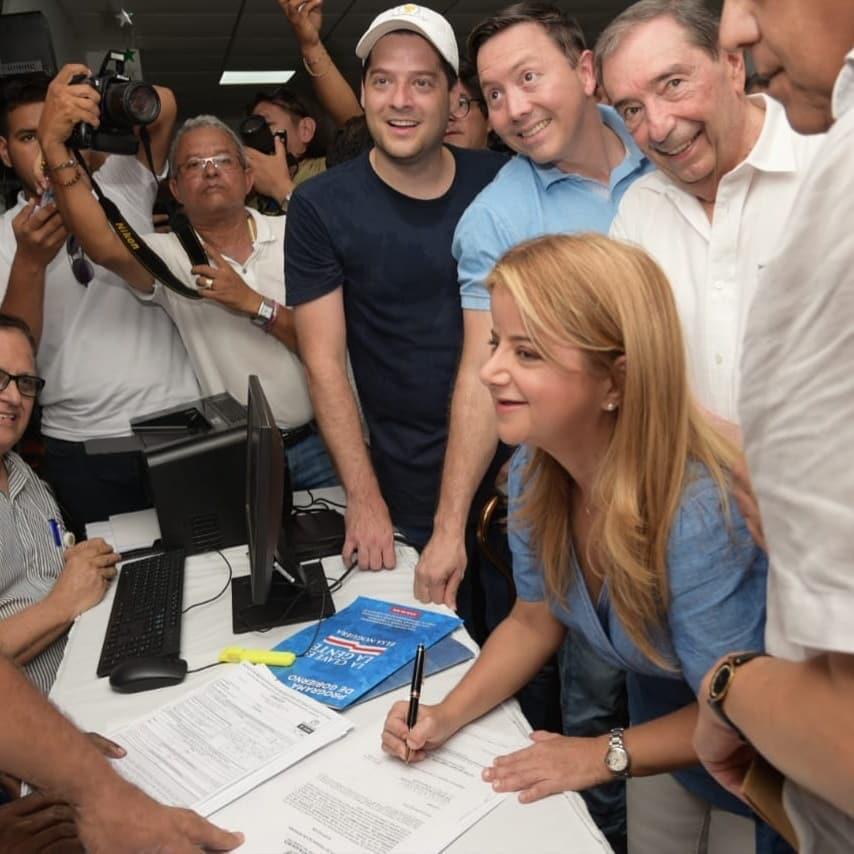 Elsa Noguera y William Torres, oficializaron sus candidaturas con inscripción en Soledad.