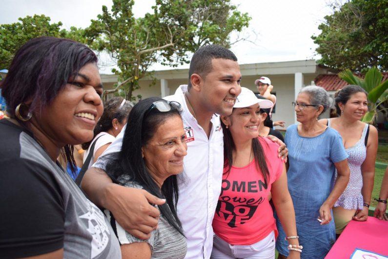 Madres comunitarias prestan un servicio a la niñez de gran valor: Concejal Oscar David Galán
