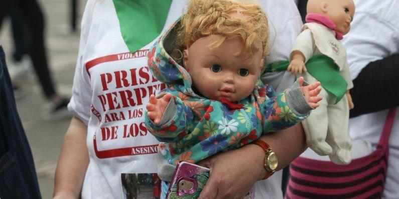 Aprobada cadena perpetua en Colombia para violadores de niños
