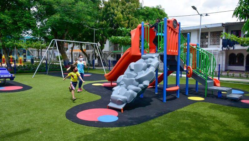 Ciudadela 20 de Julio estrena parque